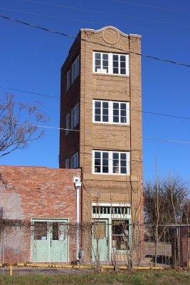1024px-Newby-McMahon_Building,_1919.JPG