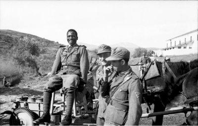 Bundesarchiv_Bild_101I-177-1465-16,_Griechenland,_Soldaten_der__Legion_Freies_Arabien_.jpg