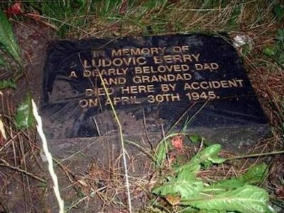 ludovic-berry-memorial-plaque.jpg