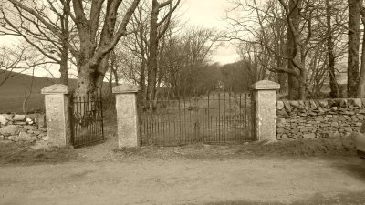 Churchyard2.JPG