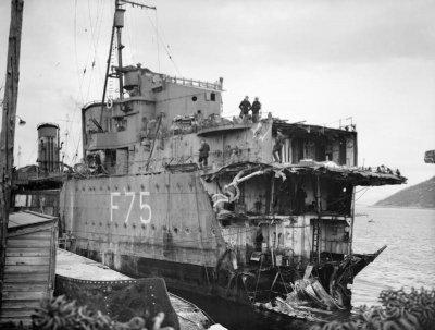 HMSEskimoBowTorpedoDamageMay1940.jpg