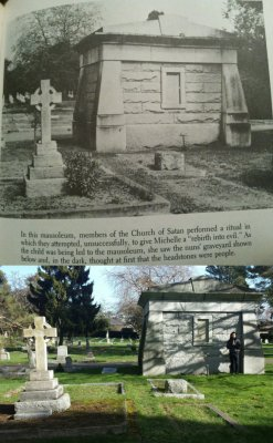mausoleum1.jpg