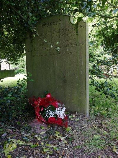 Helen Edwards' grave 9:6:21.jpg