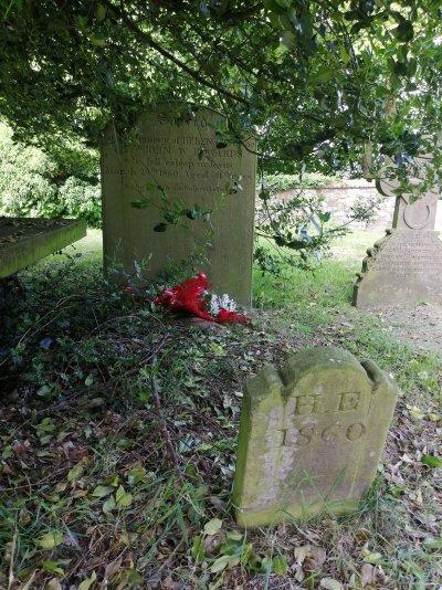 Helen Edwards' grave 9:6:21 1.jpg