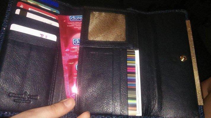 found a wallet .jpg